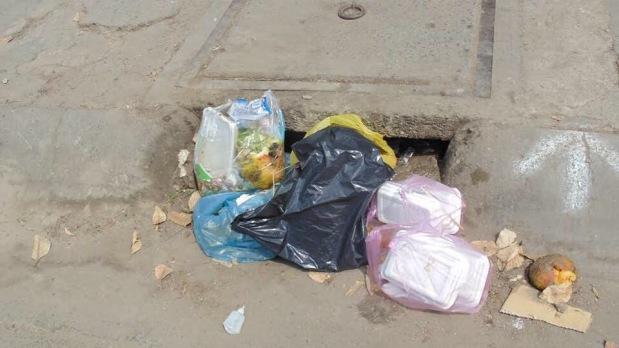 Chuyện đem rác để chỗ miệng cống (Tony BuổiSáng)
